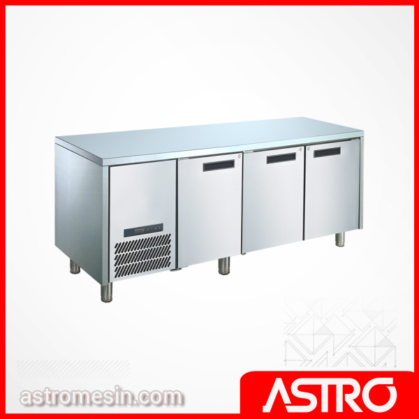 Under Counter Chiller & Freezer 4 Pintu