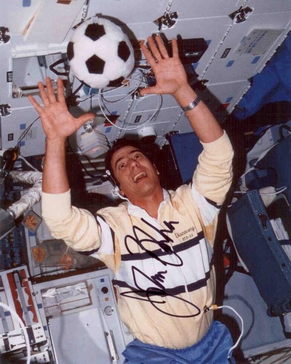 2007 Astronaut Autograph Club Astronaut Scholarship