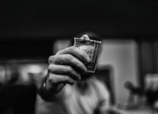 capa_post-dicas-para-economizar-dinheiro_astronauts