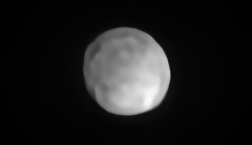 Hygiea yang dipotret dengan SPHERE yang dipasang di VLT milik ESO. Kredit: ESO