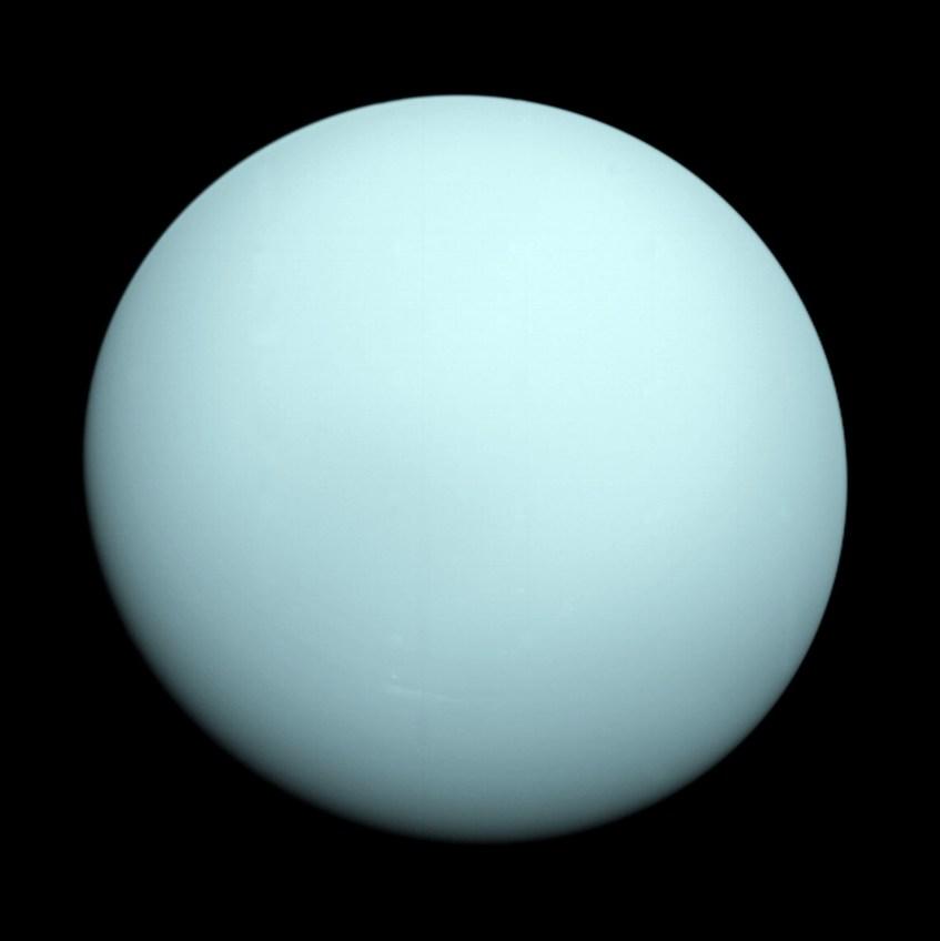 Urano, fotografado pela Voyager 2