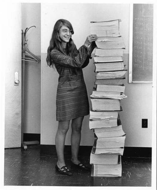 Margret Hamilton, kodlarla beraber.