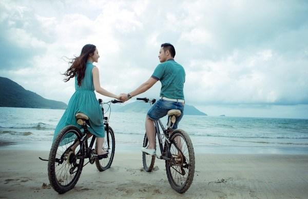 couple-955926_1280 kundli horoscope birth chart love relationships compatibility marriage