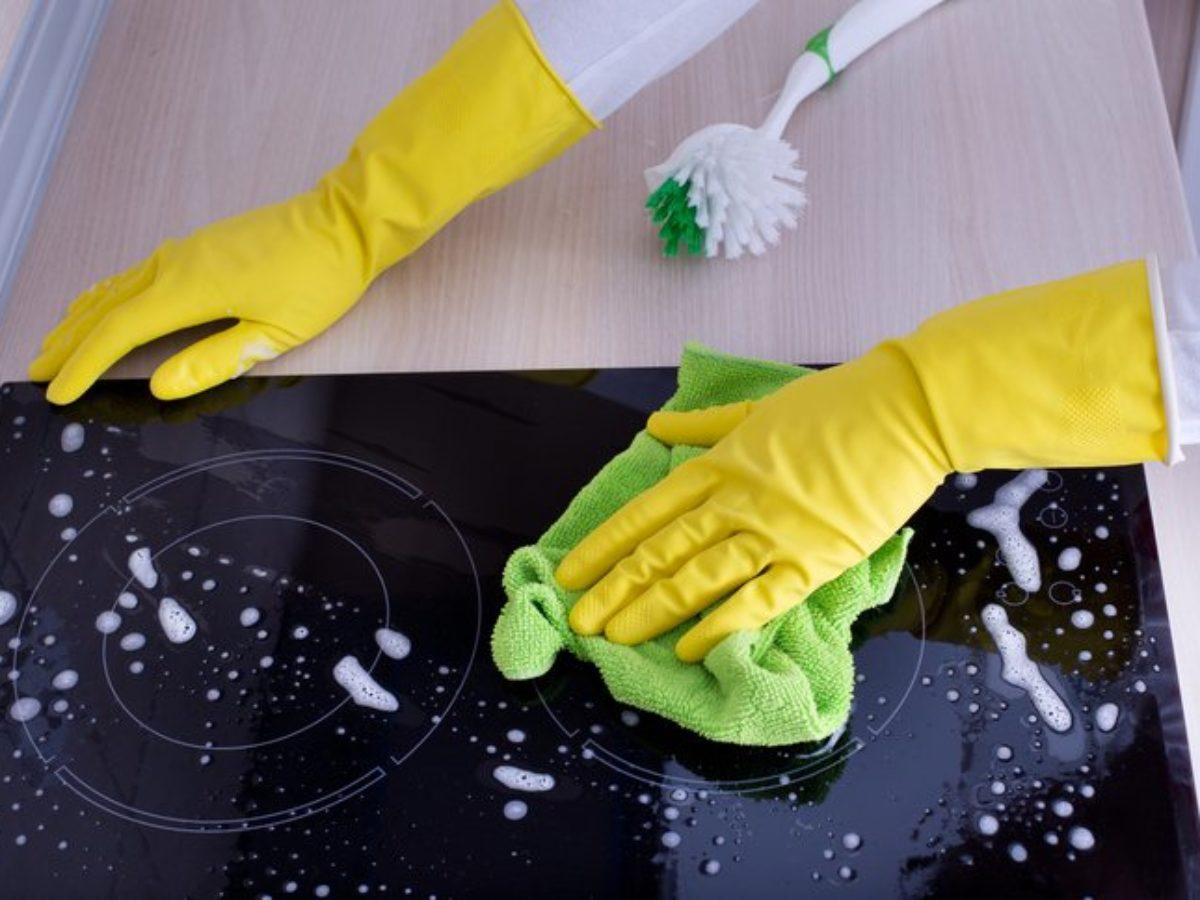 5 astuces pour nettoyer sa plaque vitroceramique ou a induction