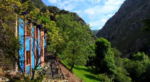 Exterior Beyo Azul, vistas sobre el desfiladero