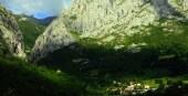 casa con jacuzzi en la montaña