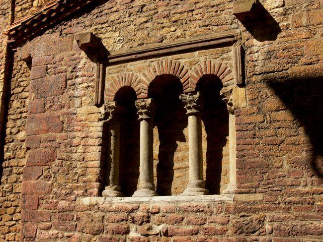 testero de San Tirso perromanico oviedo