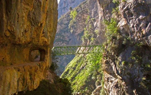 ruta del cares en asturias puentes