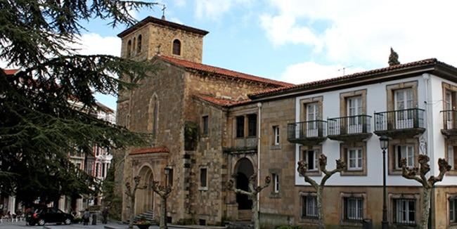 que ver en aviles Iglesia San Nicolás de Bari