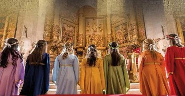 el tributo de las 100 doncellas virgenes
