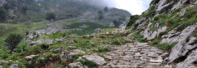 senda del arcediano en asturias calzada romana