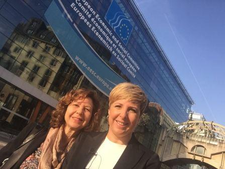 Patricia Suárez, presidenta de ASUFIN y FINSALUD junto a María Victoria Zunzunegui, investigadora de FINSALUD ante el Comité Económico y Social Europeo de Bruselas