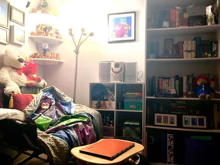 My reading and blogging nook