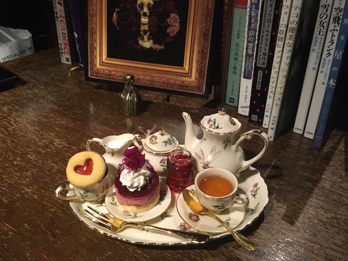 Zakai Bar Alice Tea Party