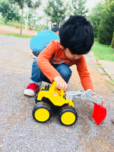 importance of playing with toys for kids