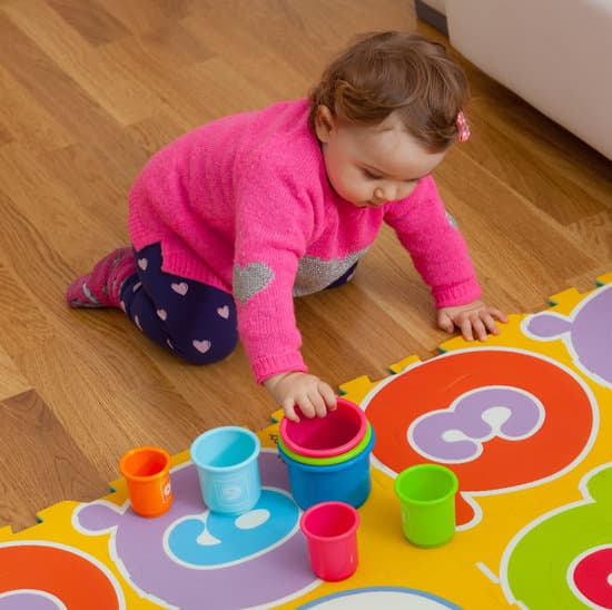 play ideas for 6 to 9 month old baby