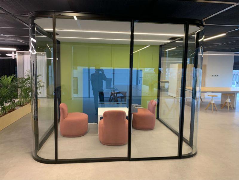 Khung kính thép văn phòng 2