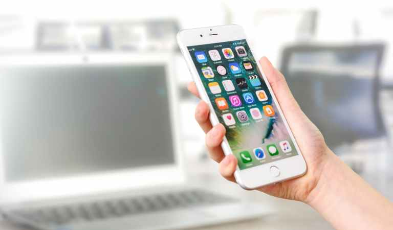Best Buying Guide To Help You Choose The 'Smartest' Phone