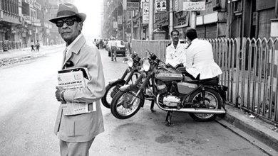 نجيب محفوظ في شوارع القاهرة