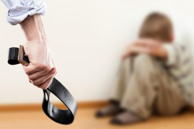 تعبيرية عن العنف الأسري