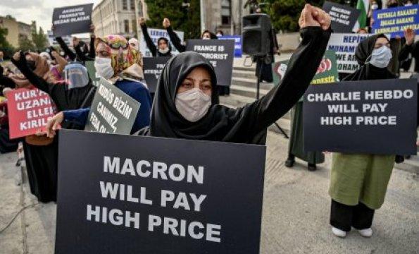 احتجاجات ضد ماكرون وصحيفة شارلي إبدو