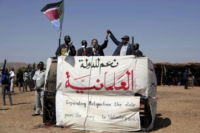 رئيس الوزراء السوداني حمدوك الذي أقر مبادئ العلمانية في السودان
