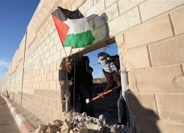 محاولات الفلسطينيين لاختراق جدار الفصل العنصري
