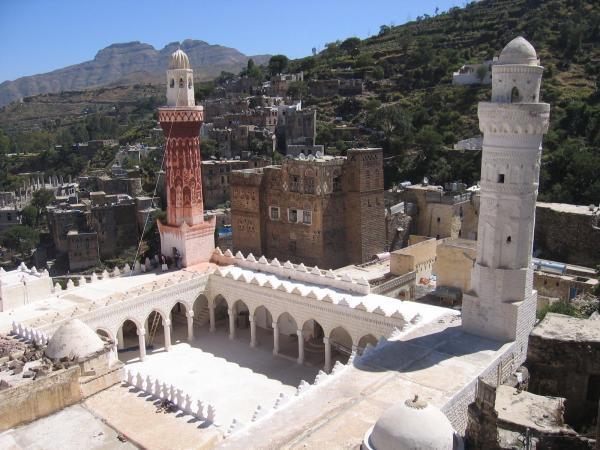 صحن مسجد الملكة أروى بنت أحمد الصليحي