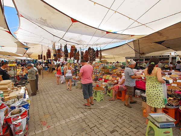 The massive Yalikavak market held in the square every Thursday