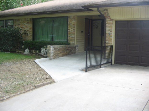 brarrier-free-enrty-into-front-entryway2