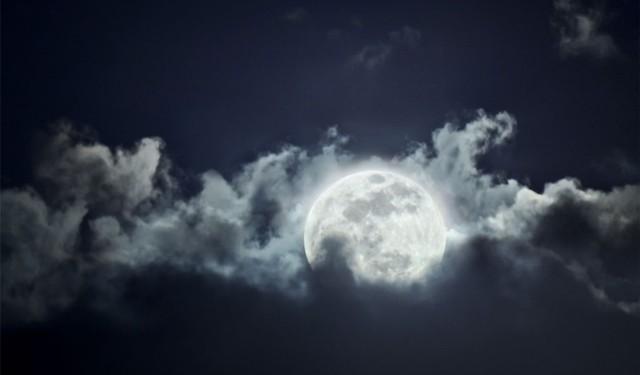 bulan-tersaput-awan