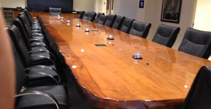 meja-rapat