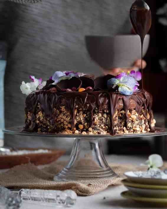 Hazelnut cake (1 of 1)-2