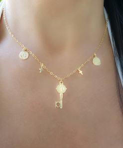 Colar 40cm com Chave, medalhas de São Bento e crucifixo em banho de ouro 18k