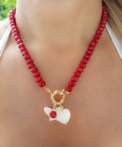 Colar 47cm com cristal Vermelho facetado G e pingentes de borboleta e coração de madrepérola em banho de ouro 18k