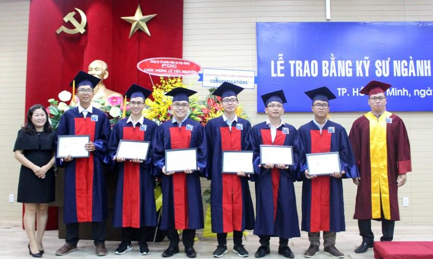 Trao học bổng cho tân kỹ sư Đại học Kiến Trúc TP. HCM
