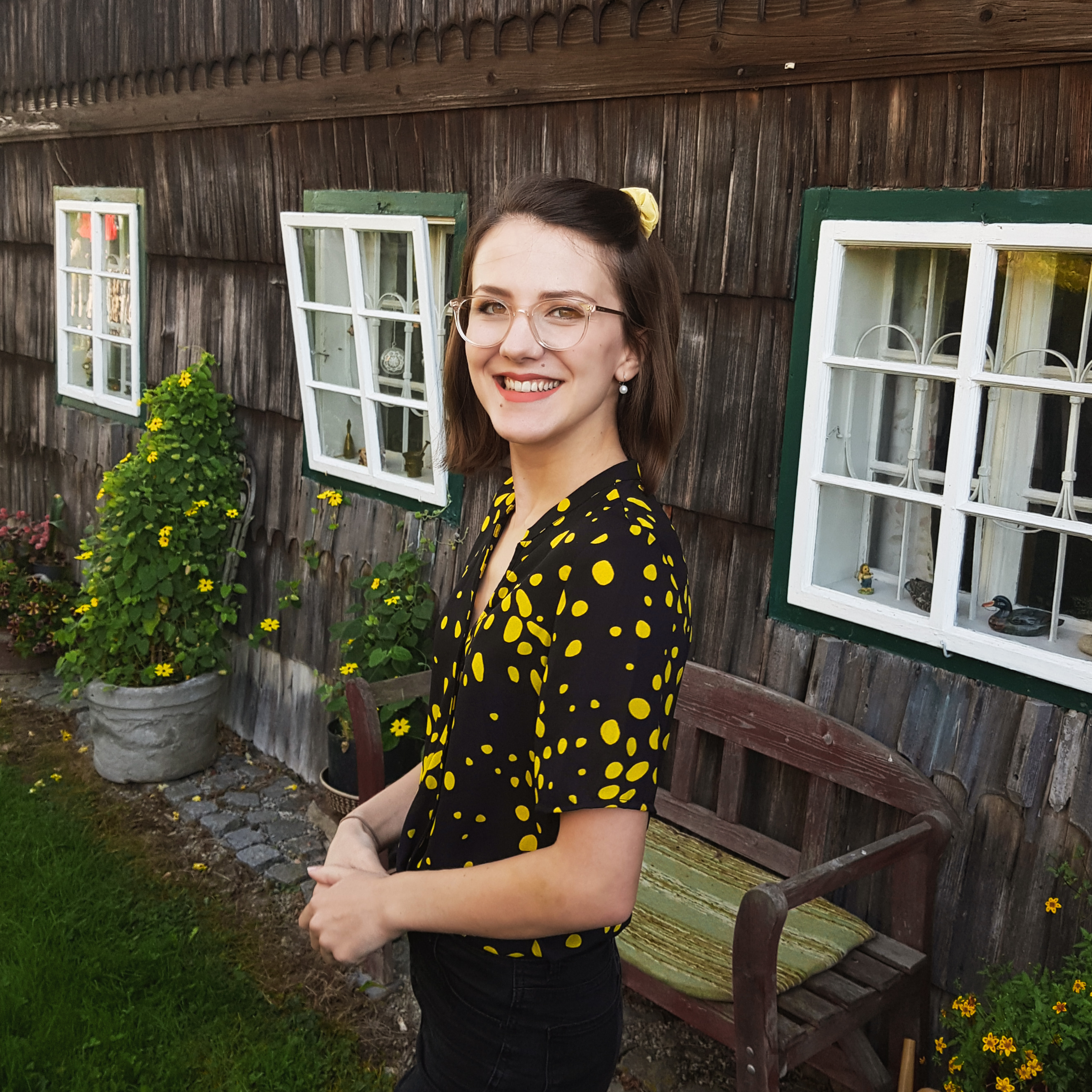 My short sleeved dotted blouse from my September Haul is great for 80s inspired outfits
