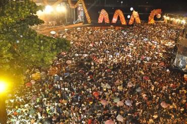 Abertura Carnaval do Recife, com Naná e 500 batuqueiros arrasta milhares - 2012 - Foto: Recifeweb/Flickr