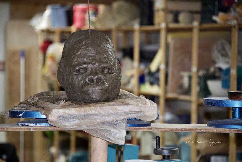 tête en argile noire poterie - Atap Aubagne