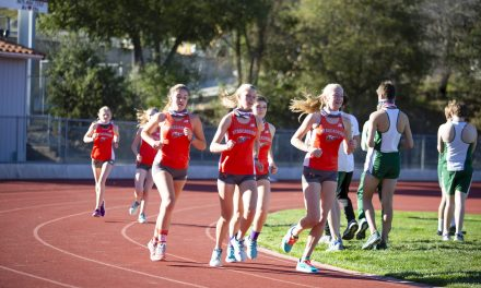 Hounds and Eagles Meet for First Run of the Year