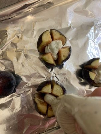 Appetizer Recipe for Stuffed Baked Figs with the cheese being stuffed inside