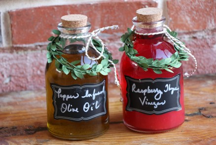 Gifts from the Kitchen-Recipe for Peppercorn Infused Oil and Raspberry Thyme Vinegar