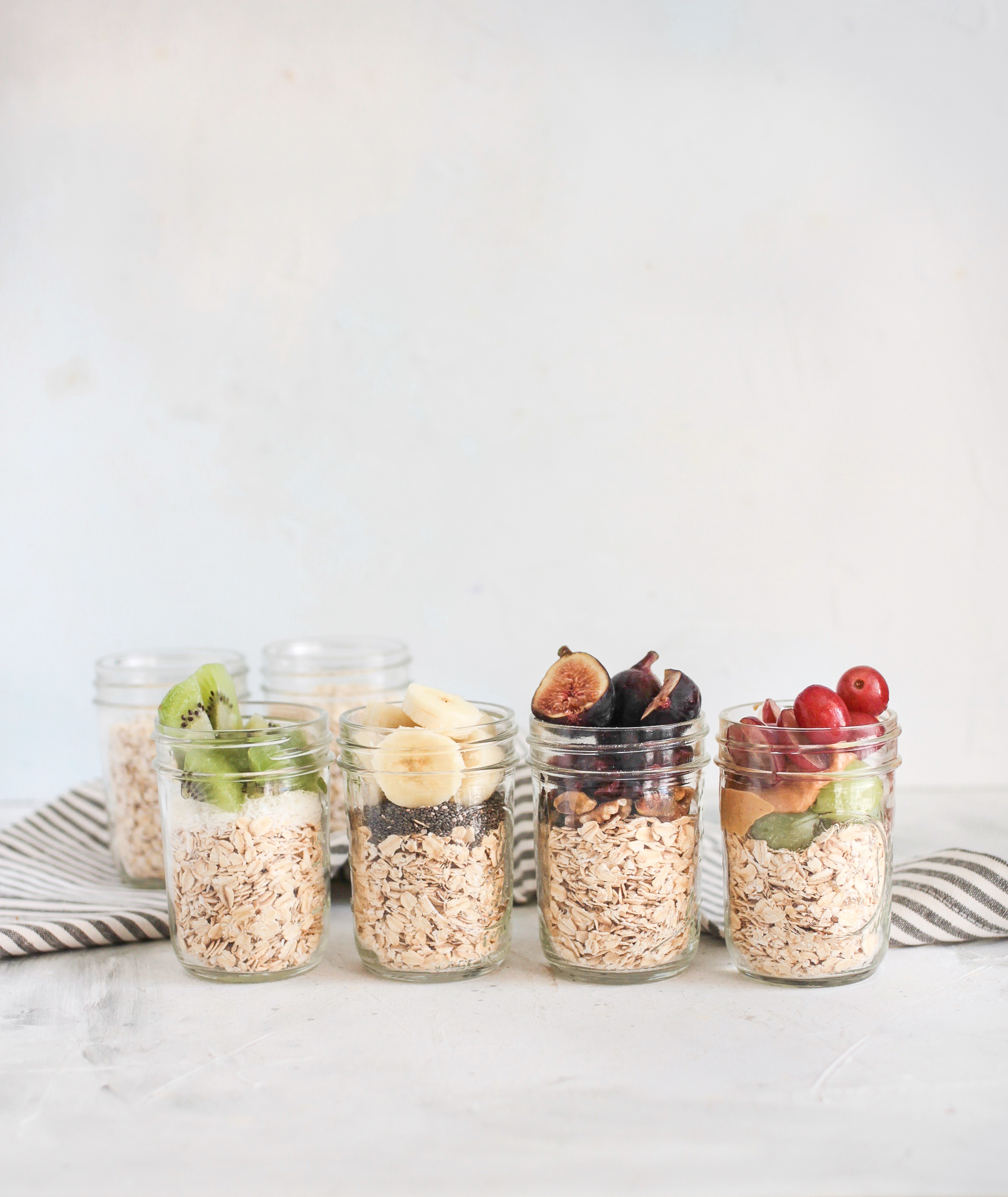 Meal Prep Oat and Fruit Breakfast Jars