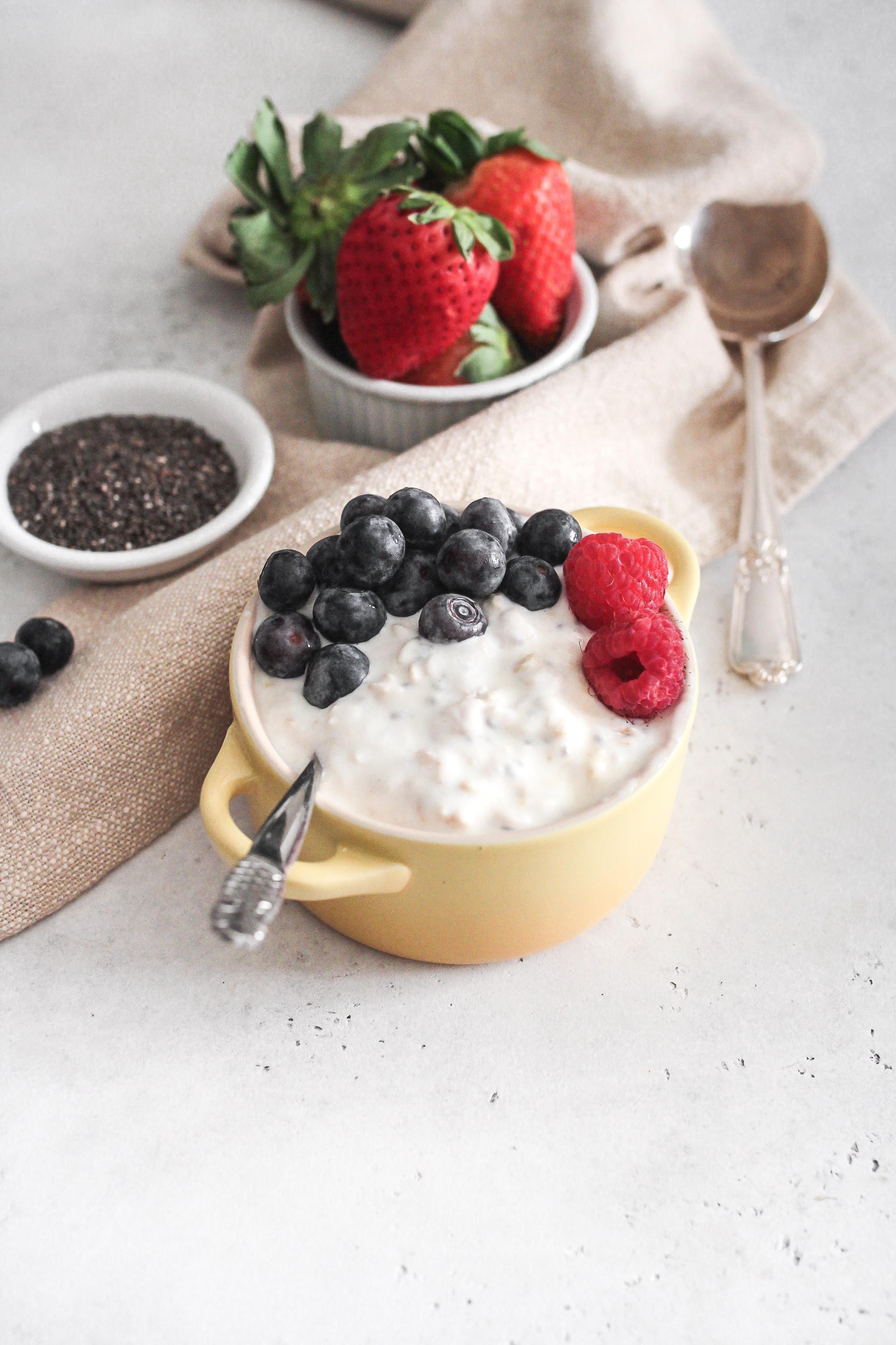 Overnight Chia Oat Yogurt Pudding