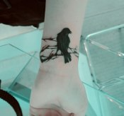 14 Awesome Wrist Bird Tattoo for Women