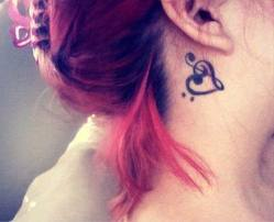 heart tatoo behind ear