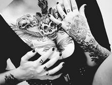 skull tatoo on chest