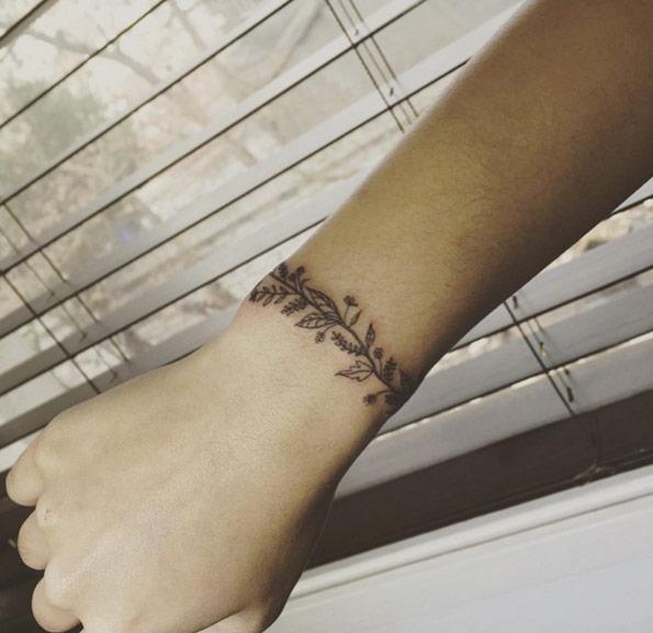 Botanical bracelet armband tattoo design