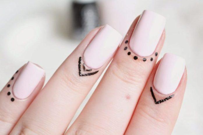 Cute dots tattoo on women finger