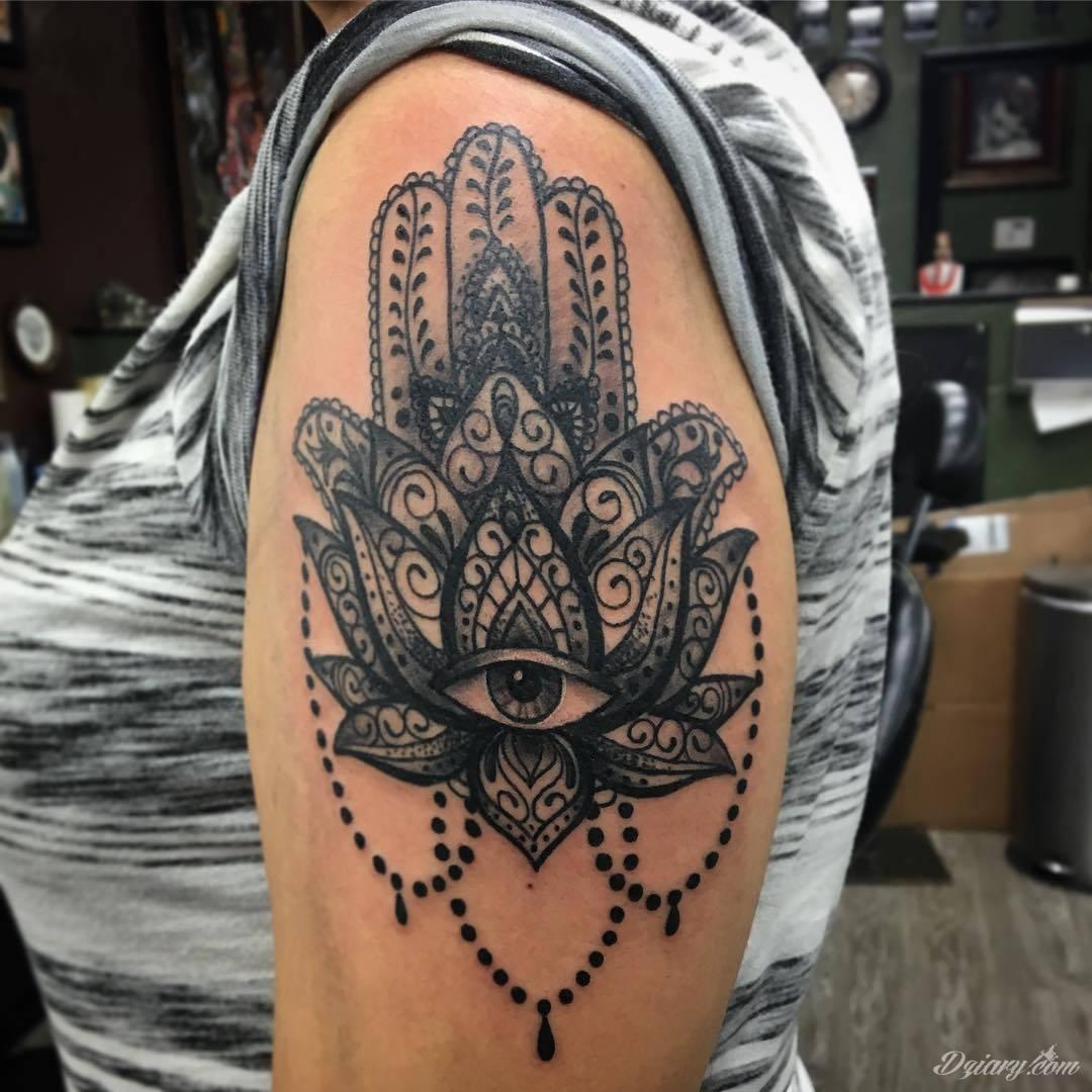 Hamsa tattoo ideas